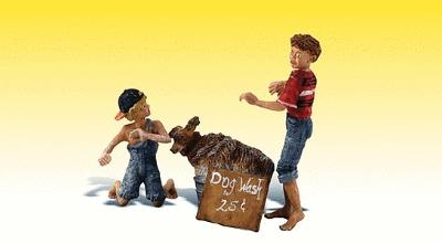 Scenic Accents Figures -- You Dirty Dog -- G Scale Model Railroad Figures -- #2566